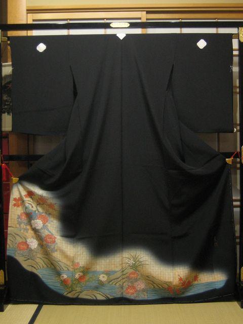 お買い得な黒 留袖 孔雀と四季の花々【着物】【smtb-k】【ky】