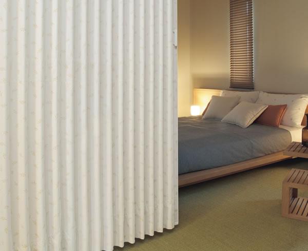 TOSO アコーディオンドア(アコーディオンカーテン) クローザーエクセル オリーブ 幅181~210cm×丈241~250cm