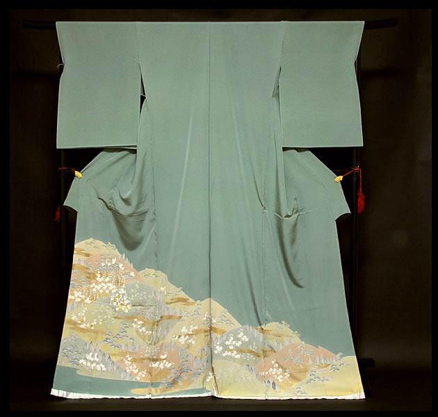 【手縫い仕立て付き】 松竹梅 金駒刺繍入り 浜ちりめん 色留袖