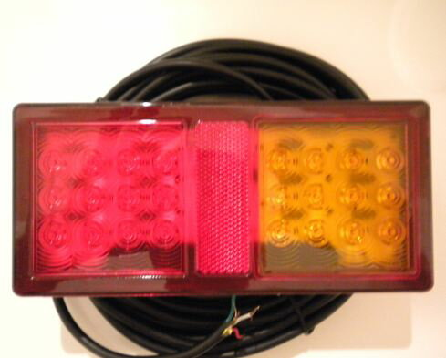 通販激安 OKI TRAILERS LED防水テールランプ(右)ナンバー灯付 H21年~※特別送料