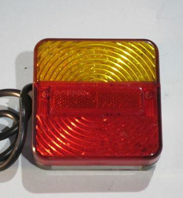 特売バーゲン OKI TRAILERS LED四角型テールランプ(右)ナンバー灯付※特別送料