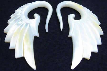 エンジェルウィングシェルピアス/1ペア販売 10ゲージ (10G) 8ゲージ (8G) 6ゲージ (6G) 真珠貝 シェル ホワイトシェル 翼 メンズ レディース ボディピアス 金属アレルギー対応 インディアンジュエリー 手作り ハンドメイド 天使の翼 羽 フェザー 高級 おもしろ