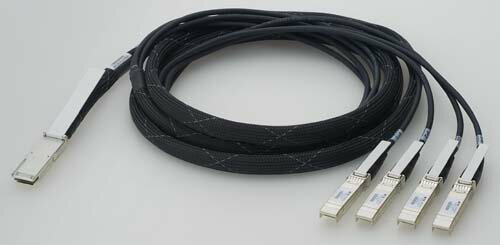 【新品/取寄品】AT-QSFP-4SFP10G-3CU-Z1 [QSFP-4SFP ブレークアウトダイレクトアタッチケーブル 3m(デリバリースタンダード保守1年付き)] 1039RZ1