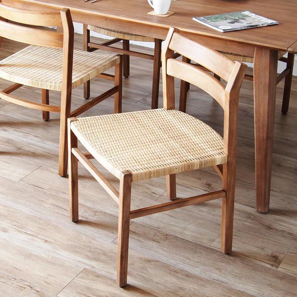 ダイニングチェア ダイニングチェアー 食卓椅子 イス 木製 チーク材 ラタン やわらかい座り心地 北欧 ナチュラル デザイン テイスト おしゃれ かわいい カフェ レストラン 創業100年籐家具専門メーカー C700XP