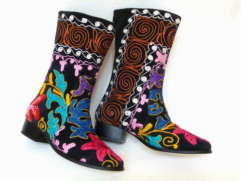 《待望の新入荷!!》可愛い刺繍がお薦め【エスニックでフォークロア!!】トルコ製ウズベキスタンのスザニを使ったブーツ:37号(日本サイズ23.5)【RCP】【P08Apr16】