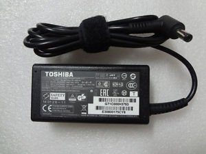 Toshiba 19V 3.42A 65W オリジナル AC Adapter For Toshiba Model ナンバー: Satellite L770-ST6NX1, PSK3SU-079022, Satellite L775-S7102, PSK3SU-0CH025, Satellite L770D-BT5N11, PSK40U-01800Q, Satellite L770D-BT5N22, PSK40U-02V00Q, 100 「汎用品」(海外取寄せ品)