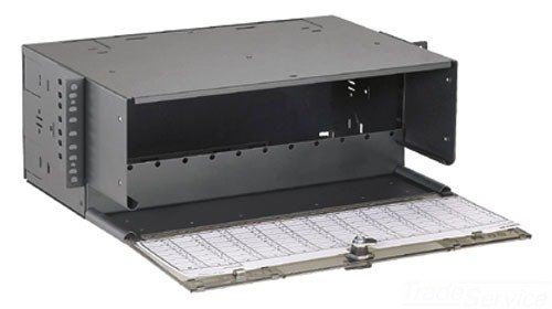 Panduit FRME4 ファイバー Rack Mount Enclosure with 144-ファイバー Capacity (海外取寄せ品)