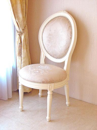 輸入家具■オーダー家具■プリンセス家具■オーバルチェア■ルイ16世スタイル■薔薇の彫刻2■ホワイト色■ピンクの花かご柄の張り地