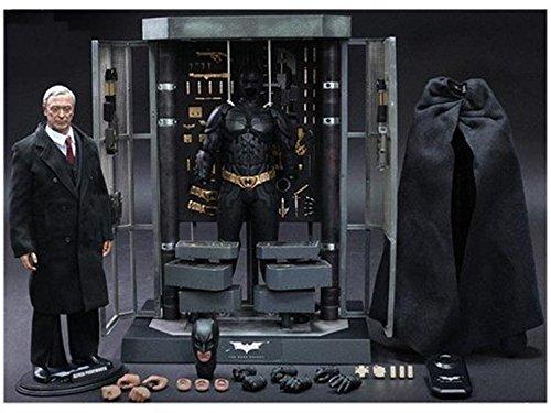 1/6 Scale Movie Masterpiece Batman Armory with Alfred & Batman Collectible Figures Batman: The Dar