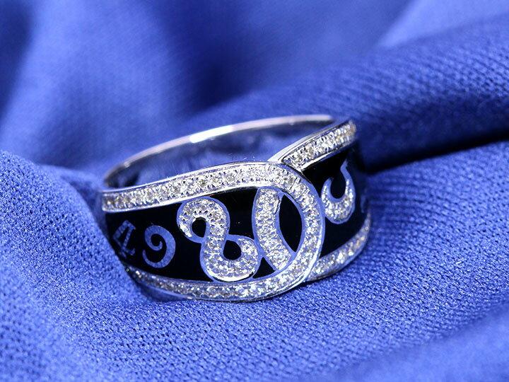 【エナメルナンバー】 白(黒)エナメルに弾むナンバー(数字)・中央でクロスするダイヤモンド0.32ctのライン K18(WG・PG)リング 指輪(各地金素材対応可能)受注品/Ycollectionワイコレクション/送料無料