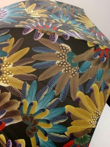 雨傘・長傘-婦人カルデツイル孔雀柄軽量日本製ジャンプ雨傘