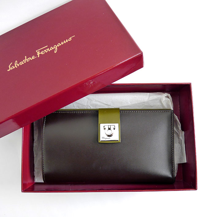 outlet store b7dda e7ce5 Sell Second Hand Salvatore Ferragamo Wallet at Jewel Cafe ...