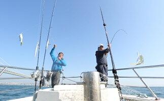 【ふるさと納税】釣り船魚英 乗船券2枚 【体験チケット・釣り・体験・スポーツ・アウトドア】