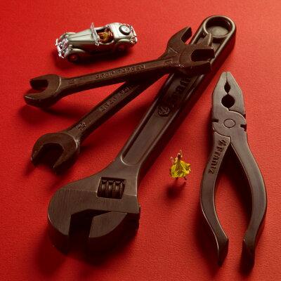 見た目は「車の工具」!最高級のクーベルチュール使用。数量限定/リニューアル【工具チョコレー...