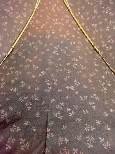 雨傘・折畳傘-婦人先染小花ジャガード両面日本製2段式折畳雨傘