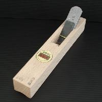 【送料無料!】山城守 内丸鉋白樫台付 24mm直江山城守兼続ゆかりの地打刃物の町 与板産の最高級品です