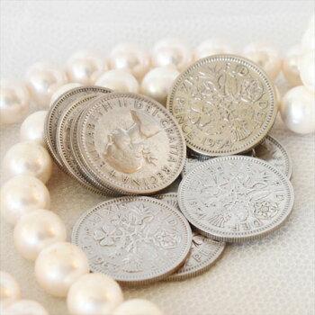 幸せの6ペンスコイン
