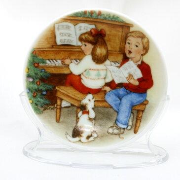 【 X'mas Plate 】 1992年 クリスマス ミニプレート 絵皿 スィート ホリデー ハーモニー クリスマスキャロル ピアノ 犬 デコレーション キープセーク オーナメント プレゼント ギフト ヴィンテージ 雑貨 セラミック 磁器製 ホールマーク アメリカ 【中古】 02P19Dec15