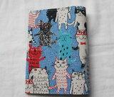 【メール便OK】かわいい 布製 布生地ブックカバー 文庫版 本・サイズ TOCONUTS/トコナッツ 可愛プリント生地 差し込むだけの簡単セット 厚さ1.5cm程度可能 青系・ねこ・猫TC-152/BB