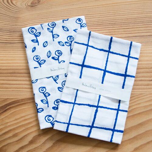 定番の使い方のほか、本やノートなど借りたものを返すときに、簡単に包んでラッピング用紙のように使ってみたり、来客の際のおしぼり代わりにしてみたりと、使い方が広がります。