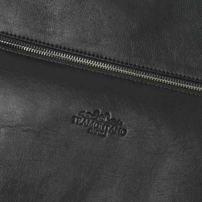 トラモンターノ2つ折りクラッチバッグ1324 MOUSSE NERO BLACK CLUTCH BAGスムース革 黒 イタリア製 伊製レザー シンプルメンズ 男性 紳士冠婚葬祭 カジュアル プレゼント ギフト包装