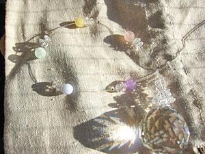 5色のパステルカラーストーン&30mmサンキャッチャークリスタルガラス レインボー サンキャッチャー/お守り/風水/クリスマス/バレンタイン/ホワイトデー
