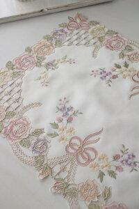 上品なリボン&ローズ刺繍がエレガント♪♪【テーブルセンター30×45cm】長方形ドイリーセンター敷物布製リボンモチーフヨーロピアンギフト贈り物