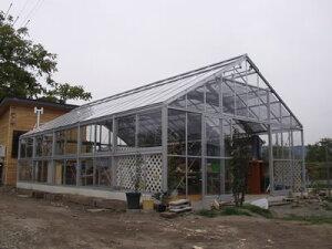 アルミ温室/2段サッシタイプ(K-3タイプ:間口5,600×奥行5,546×棟高3,696mm、9.4坪)4mm強化ガラス仕様