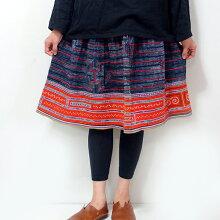 【送料無料】モン族スカートミディアム丈モン族手刺繍クロスステッチ藍染ろうけつ染め