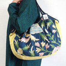 【送料無料】【送料無料】sisiグラニーバッグ120%ビッグサイズカシミール刺繍ネイビー&レモンクリームA4サイズが入る布バッグ