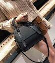 ショルダーバッグ レディース 軽量 レザー 通勤 軽い 革