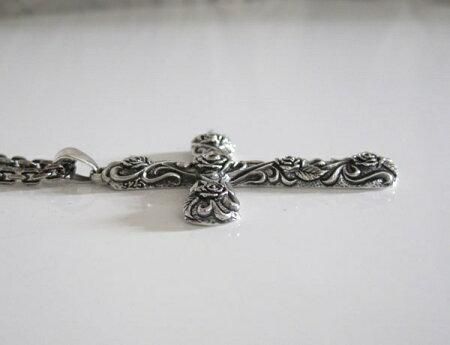 ビッグローズクロスペンダント(1)/バラ薔薇シルバー925製ペンダント銀・十字架クロス・ネックレス