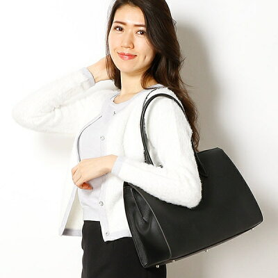30代女性に人気の「フルラ」レディースバッグ