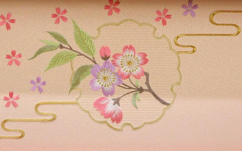 雅泉作 雛爛漫 小三五親王 塗桐ピンク カブセ式収納箱 三曲雪輪に桜屏風