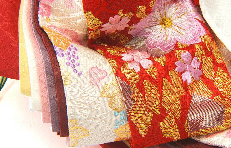 白桃色刺繍