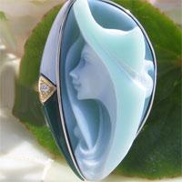 有浮雕的貝殼胸針德國埃德奧波斯訂生產雙色三層綠色功能表有浮雕的貝殼 K18,銀天然鑽石 0.02 ct 吊墜胸針