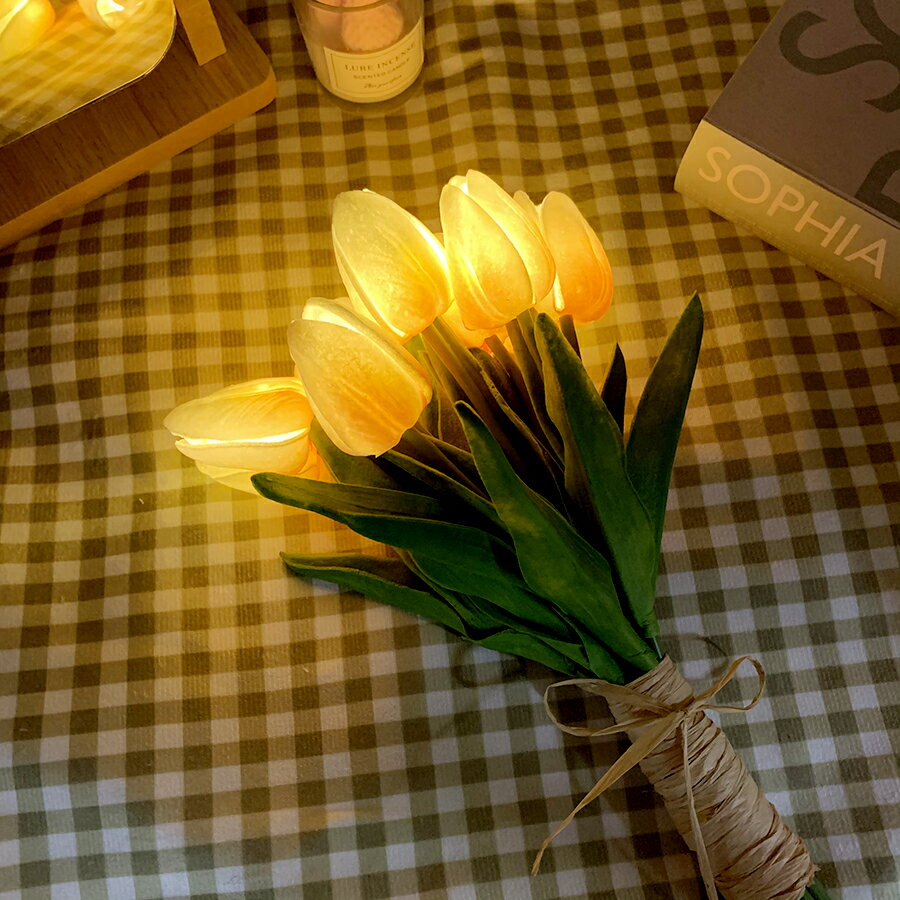 【LED チューリップ】送料無料 LED チューリップ ライト フラワー チューリップランプ テーブルランプ ベッドサイドランプ ナイトライト 間接照明 ピンク ホワイト プレゼント お誕生日 おしゃれ 韓国 女子部屋 部屋作り 一人暮らし 韓国インテリア IT20_024