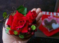 真っ赤なバラと大きなハートチョコ小さなバラとおいしいチョコ♪【バレンタインデーホワイトデーお礼友チョコ手作りギフト変わった御祝結婚祝記念日開店祝内祝引っ越し祝京都花屋プリザーブドフラワーフェイク花束枯れないグリーン