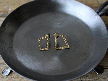 ro-ji kuni ピアス スクエアポスト BP408(L) 真鍮の繊細なゆらぎを楽しむシンプルなピアス
