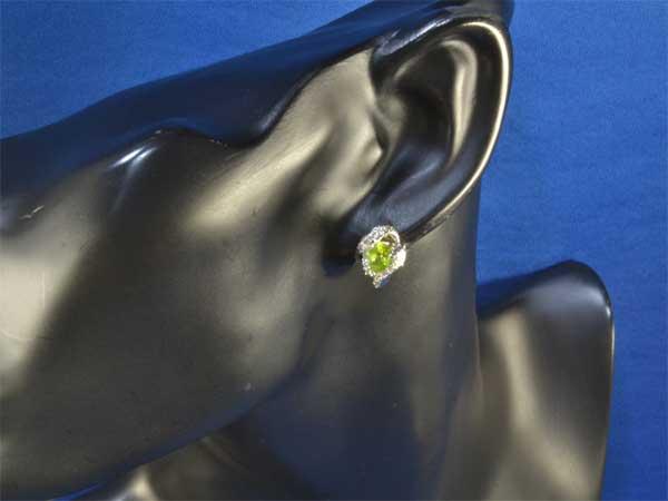 Pt/K14WG ペリドット 1.64ctダイヤモンド0.401ct プラチナ ホワイトゴールド ピアス《!》