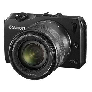 ミラーレス構造と新開発のレンズマウントを採用したことにより、デジタル一眼レフカメラに比べ...