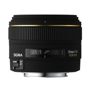 開放F 値1.4 のデジタル専用大口径標準レンズ:開放F値1.4の明るさを持つ、デジタル専用の大口径...