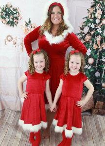 二個送料無料 クリスマスワンピース 親子ペア クリスマス コスプレ衣装 パーティー衣装 サンタクロース コスチューム 変身仮装 マント ドレス 可愛い 萌え萌え 舞台演出服 親子コーデ 母 女の子