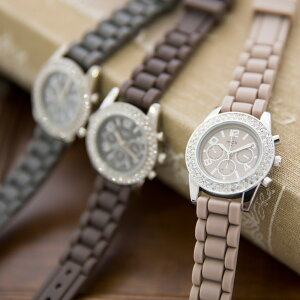 おしゃれで軽くて痛くない。色違いでリピート多数のフランス製腕時計腕時計 ウォッチ ブレス 腕...