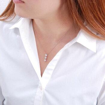 究極Dカラー1カラットPtダイヤモンドトリロジー(スリーストーン)ネックレス