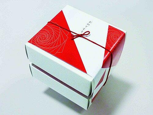 今治純白ハンドタオル紅白BOX TGA1007501 40おめでとう 【ギフトセット/内祝い/出産内祝い/香典返し/お供え/結婚内祝い/父の日/プレゼント/快気祝い 快気内祝い お中元 御中元 】 【楽ギフ_