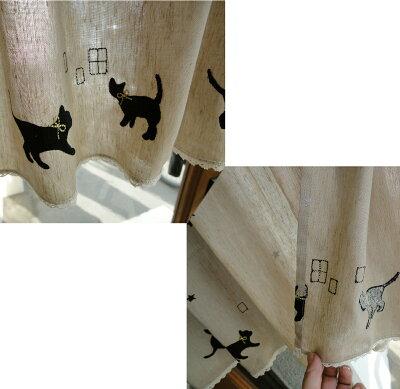 【代引き可送料無料】金の首輪クロネコ『カフェカーテン』少し目隠し出来てリネンタッチでナチュラルべージュで可愛いシルバーラメの星刺繍