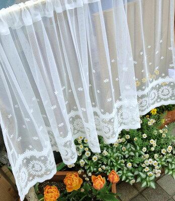 【送料無料】【縦60cm】可愛いバラの『カフェカーテン』エデンローズ少しアイボリー系のチュールにコットンの糸を使ってより優しいイメージを表現セミロングサイズ。【人気】小窓用