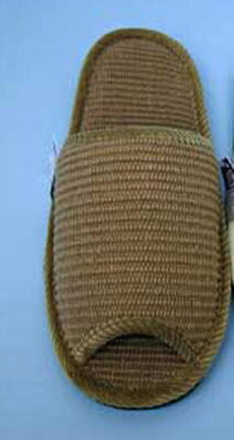柔らかなインド綿で足さわり良く、前空きなので履きやすいです。