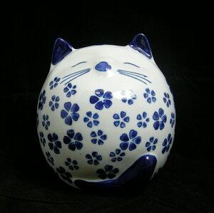 猫好きの方にピッタリ!かわいらしい丸い猫ちゃんです。 貯金箱 丸い猫型 桜柄  A129B